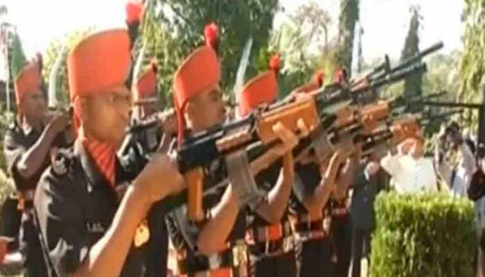 अलवर: इटाराना कैम्प में सेना के जवानों ने दिखाए हैरतअंगेज कारनामें