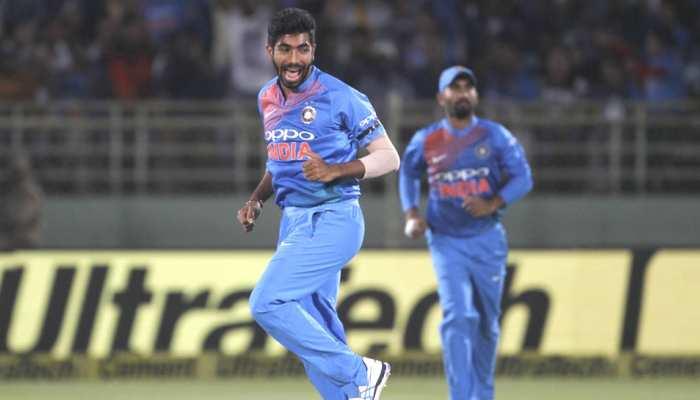 INDvAUS: गेंदबाज उमेश यादव के बचाव में उतरे जसप्रीत बुमराह, फैंस ने साधा था निशाना