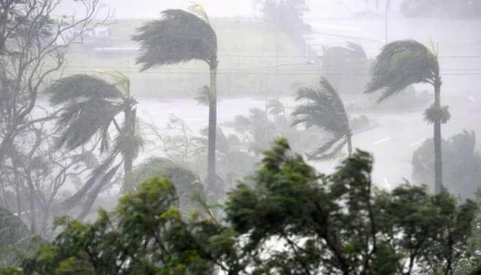 राजधानी कोलकाता सहित पश्चिम बंगाल के कई स्थानों पर नॉर्वेस्टर तूफान ने दी दस्तक