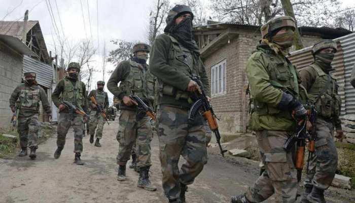 जम्मू कश्मीरः शोपियां में सुरक्षाबलों और आतंकियों के बीच मुठभेड़, जैश के 2 आतंकी ढेर