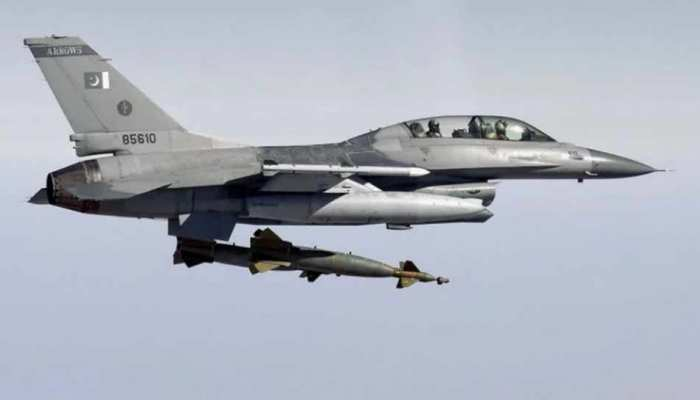 अपने दावे से पलटा पाकिस्तान, कहा - केवल एक ही भारतीय पायलट हमारे कब्जे में