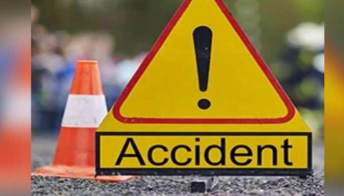 महराजगंज: यात्री बस और स्कूली बस में टक्कर, 40 छात्र घायल