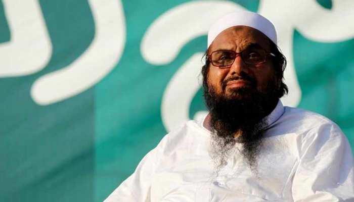 अंतरराष्ट्रीय दबाव में झुका पाकिस्तान, आतंकी हाफिज सईद के संगठनों पर लगाया प्रतिबंध