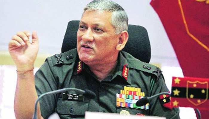 सेना प्रमुख ने सैनिकों से कहा, 'किसी भी स्थिति से निपटने के लिए रहें तैयार'