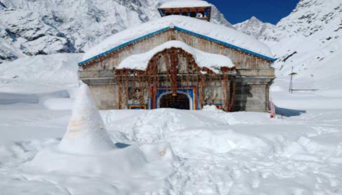 केदारनाथ में 13 फीट बर्फ, 45 दिनों से बिजली, संचार और आवागमन ठप