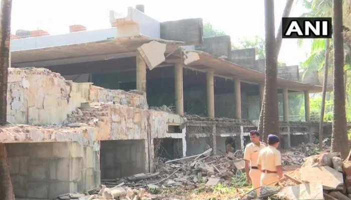 नीरव मोदी के बंगले को गिराने का काम जारी, ब्लास्ट से ढहायी जा रही इमारत