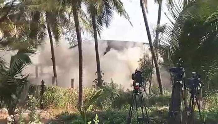 VIDEO : डाइनामाइट लगाकर मिनटों में ऐसे ढहाया नीरव मोदी का 100 करोड़ का बंगला