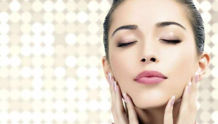 Skin Care: गर्मी में स्किन के साथ न करें कोई समझौता, ऐसे पाएं सॉफ्ट और शाइनी त्वचा