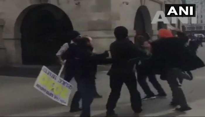 VIDEO: लंदन में खालिस्तान समर्थकों ने किया भारतीयों पर हमला, पाक का हाथ होने का आरोप