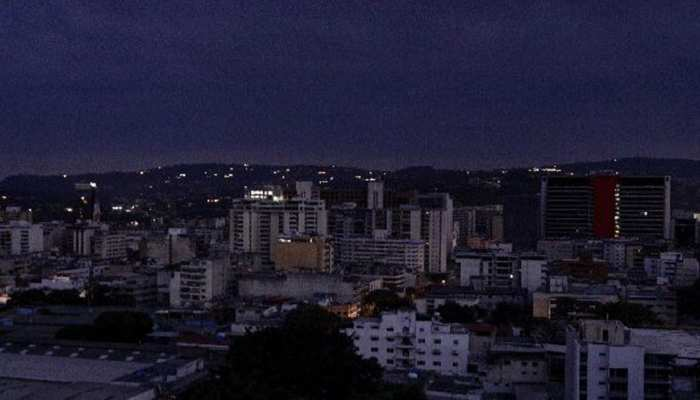 वेनेजुएला में गुल हो गई बिजली, डायलसिस ना होने से 15 मरीजों की मौत, कई की हालत गंभीर
