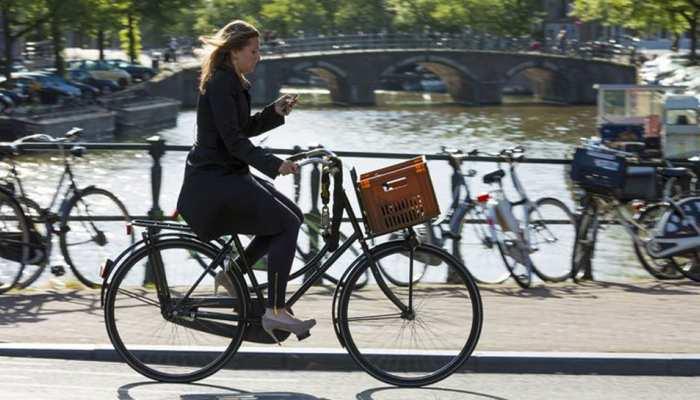 इस देश में साइकिल से ऑफिस जाने पर हर किलोमीटर के बदले मिलते हैं 16 रुपये