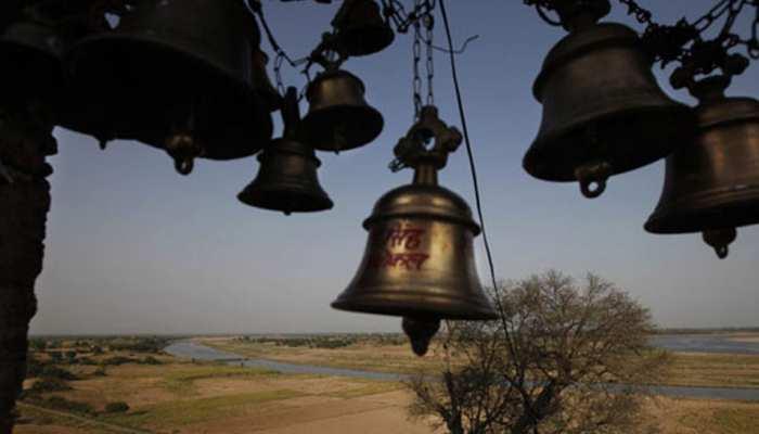 पीलीभीतः अराजक तत्वों ने शिव मंदिर के अंदर घुसकर तोड़ी मूर्तियां, लोगों ने कहा...