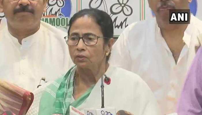 ममता बनर्जी ने किया उम्मीदवारों का एलान, TMC ने 40.5 फीसदी महिलाओं को दिया टिकट