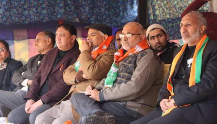 बीजेपी ने घाटी में बजाया चुनावी बिगुल, शहर के बीचों बीच हुई पहली चुनावी रैली