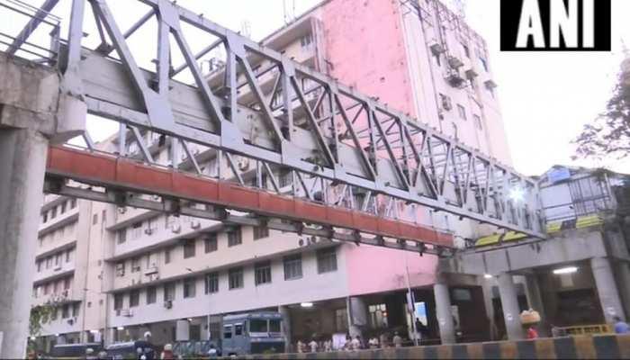मुंबई फुटओवर ब्रिज हादसे में अब तक 6 लोगों की मौत, 33 घायल