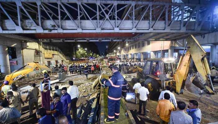 मुंबई पुल हादसा: ढांचे को नष्ट करने के संबंध में BMC आज करेगी फैसला