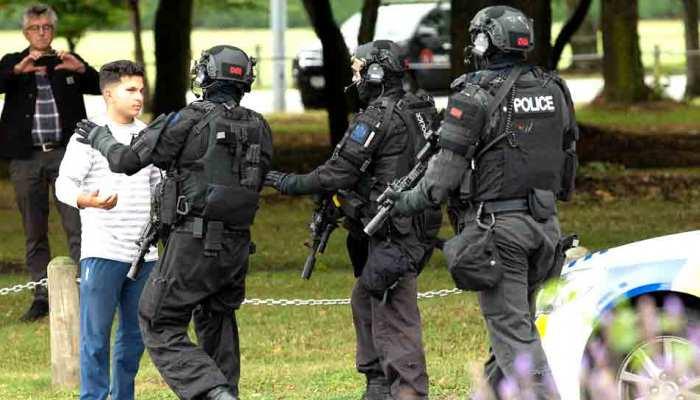 क्राइस्टचर्च आतंकी हमला: लोग जिंदगी बचाने के लिए भाग रहे थे, हर जगह खून पसरा था...