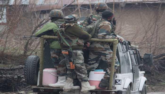 जम्मू-कश्मीर में मुठभेड़ों में तीन आतंकवादी ढेर, बंधक बनाए गए नाबालिग की मौत