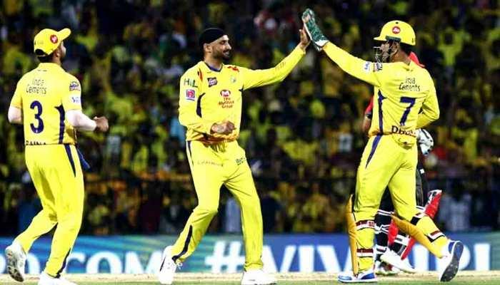 IPL 2019, CSKvsRCB: धोनी के 'सुपरकिंग्स' ने कोहली के 'चैलेंजर्स' को 7 विकेट से हराया