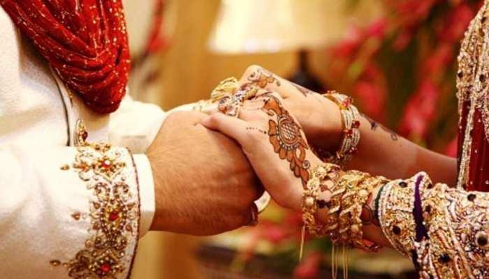 helicopters hired to bring two brides, denied permission to land in  Muzaffarnagar | दुल्हन को हेलीकॉप्टर से लेने पहुंचा दूल्हा, पुलिस ने बैरंग  लौटाया; जानें पूरा मामला | Hindi News ...