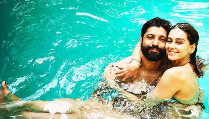 Photos of Farhan Akhtar and Shibani Dandekar on romantic beach vacation goes viral