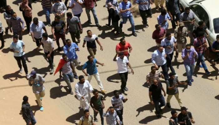 सूडान: राष्ट्रपति उमर अल-बशीर के खिलाफ प्रदर्शन के दौरान एक व्यक्ति की मौत