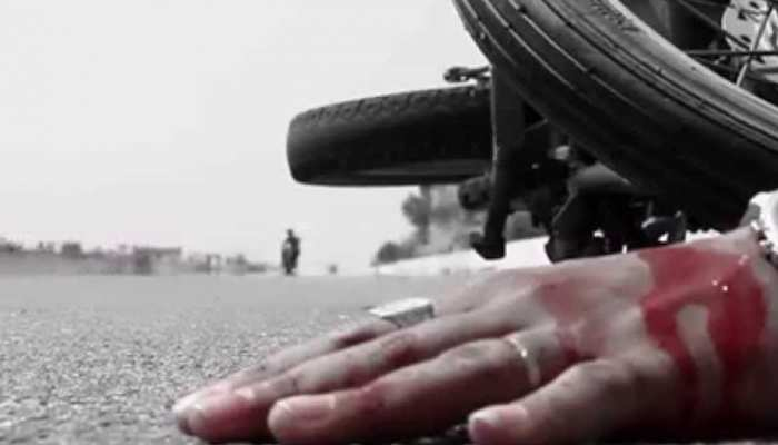 बसपा विधायक की कार को डंपर ने मारी टक्कर, विधायक समेत कई लोग गंभीर रूप से घायल