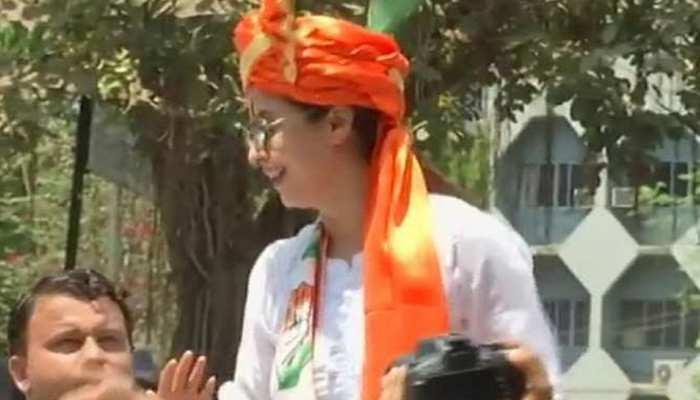 मुंबई में आज दिनभर नामांकन का दौर, उम्मीदवारों ने जीत के भरोसे के साथ किए कई वादे