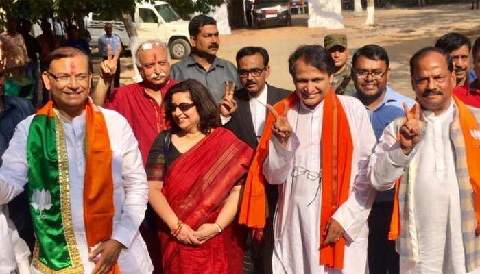 हजारीबाग लोकसभा सीट से जयंत सिन्हा ने किया नॉमिनेशन, CM रघुवर भी रहे मौजूद
