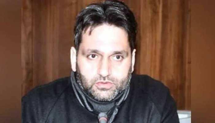 श्रीनगर के डिप्टी मेयर की विवादित हरकत, नाम के आगे लगाया 'मुजाहिद'