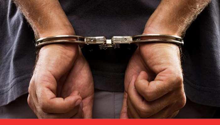 संपत्ति हड़पने में नाकाम रहने पर बेटों ने पिता का दबाया गला, पुलिस ने किया गिरफ्तार