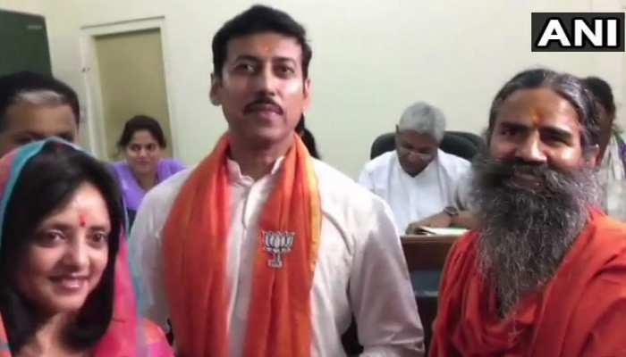 जयपुर ग्रामीण से राज्यवर्धन सिंह राठौड़ ने भरा नामांकन, बाबा रामदेव भी रहे मौजूद