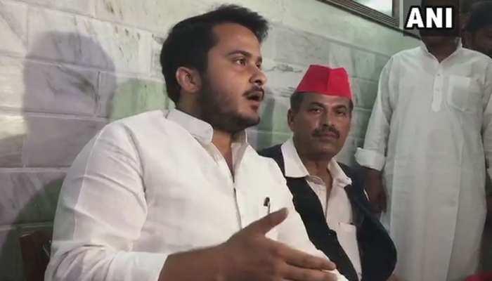 मुस्लिम होने की वजह से मेरे पिता पर चुनाव आयोग ने बैन लगाया: अब्दुल्लाह आजम