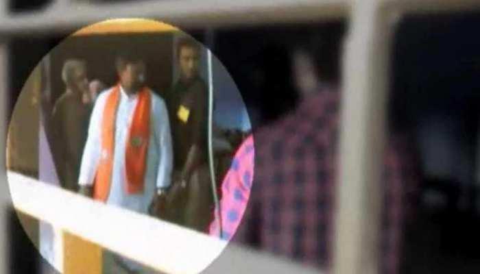 बुलंदशहर: भोला सिंह पर पोलिंग बूथ के अंदर चुनाव प्रचार का आरोप, DM ने किया नजरबंद