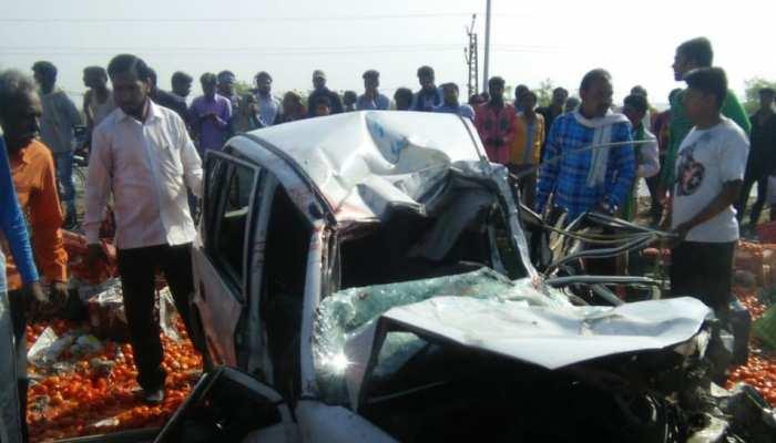 कोटा: तेज रफ्तार ट्रक से हुई गाड़ी की भीषण टक्कर, 2 की मौत