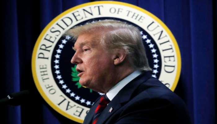 डेमोक्रेट सीनेटर ने की अपील, राष्ट्रपति डोनाल्ड ट्रंप के खिलाफ चले महाभियोग