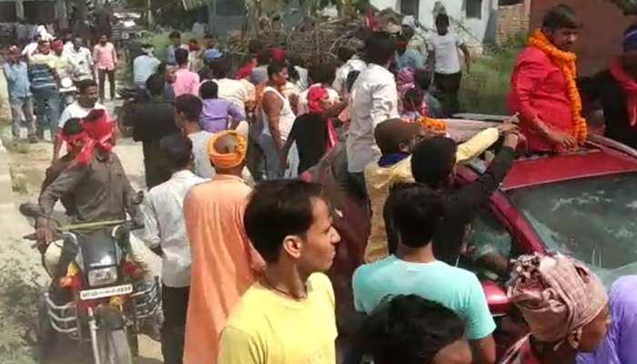 बेगूसराय: लोगों ने दिखाए काले झंडे तो कन्हैया के समर्थकों ने घर में घुसकर पीटा, देखें VIDEO
