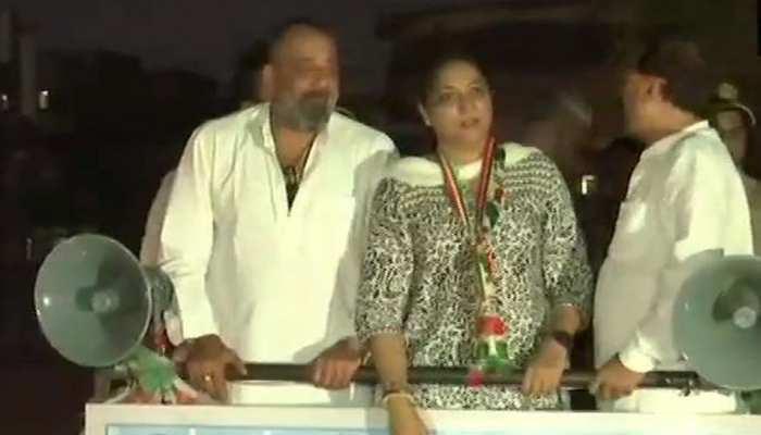 बहन प्रिया दत्त की कैंपेनिंग के लिए मैदान में आए संजू बाबा, कांग्रेस के लिए मांगे वोट