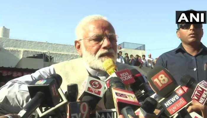 VIDEO: पीएम मोदी की वोटिंग अपील,'आतंकवाद का शस्त्र IED, लोकतंत्र की ताकत वोटर ID'