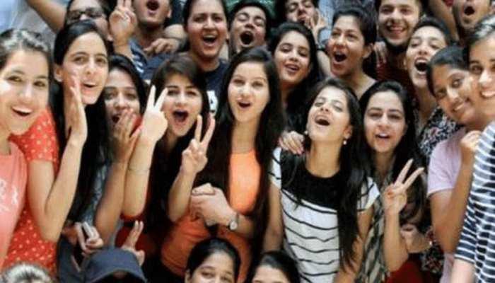 UP Board Result 2019: दोपहर 12.30 बजे 58 लाख छात्रों की तकदीर का फैसला, ऐसे चेक करें