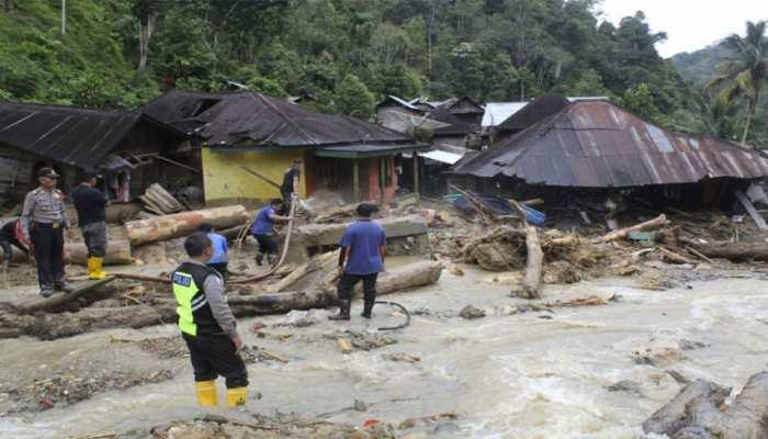 इंडोनेशिया में बाढ़ से 29 लोगों की मौत, दर्जनों लापता