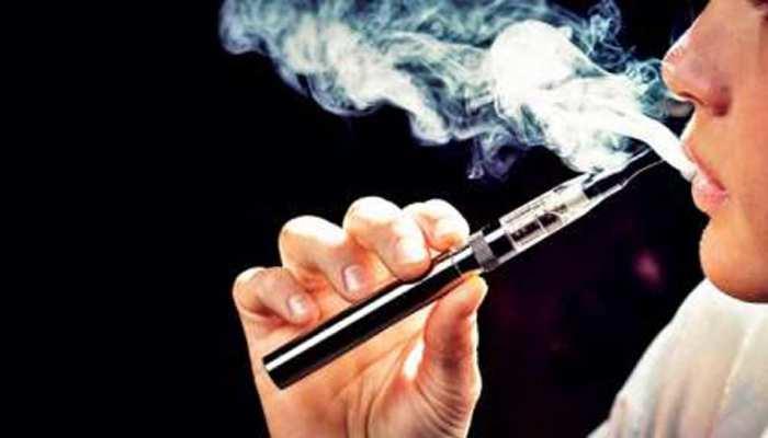 स्मोकिंग छोड़ने का सबसे प्रभावी तरीका है ई-सिगरेट: Research