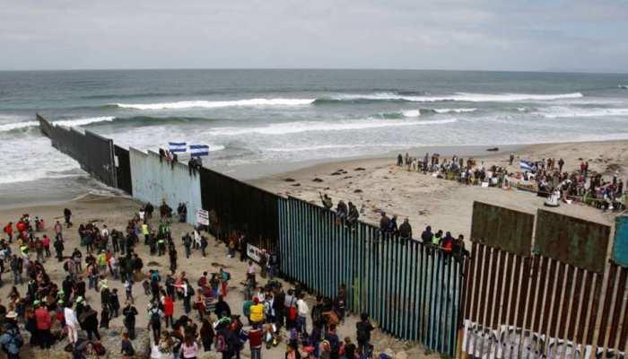 अमेरिका-मैक्सिको सीपा पर नौका पलटी, 1 बच्चे की मौत