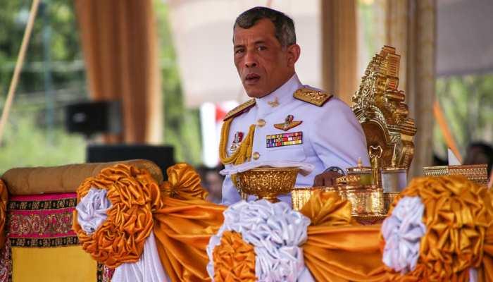 थाईलैंड में राजा माहा वाजीरालोंग्कोर्न के राजतिलक के रीति-रिवाज हुए शुरू