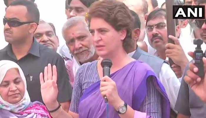 अमेठी: प्रियंका का आरोप, कहा- 'BJP ग्राम प्रधानों को दे रही है 20-20 हजार की रिश्वत'