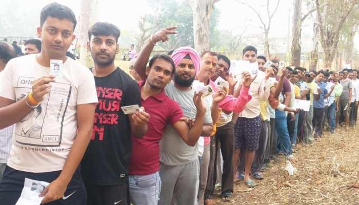 लोकसभा चुनाव: झारखंड में चार सीटों पर वोटिंग जारी, अब तक 58.63 फीसदी मतदान