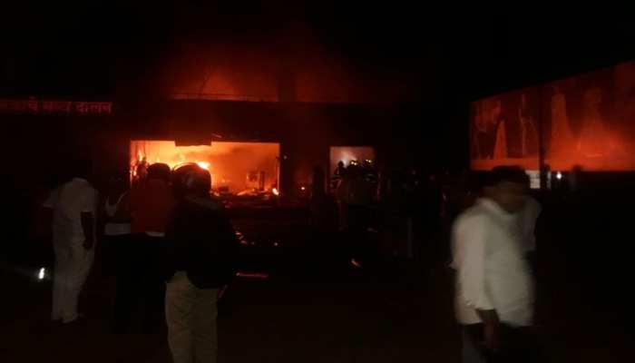 पुणे के कपड़ा गोदाम में लगी भीषण आग, झुलसकर 5 कर्मचारियों की मौत