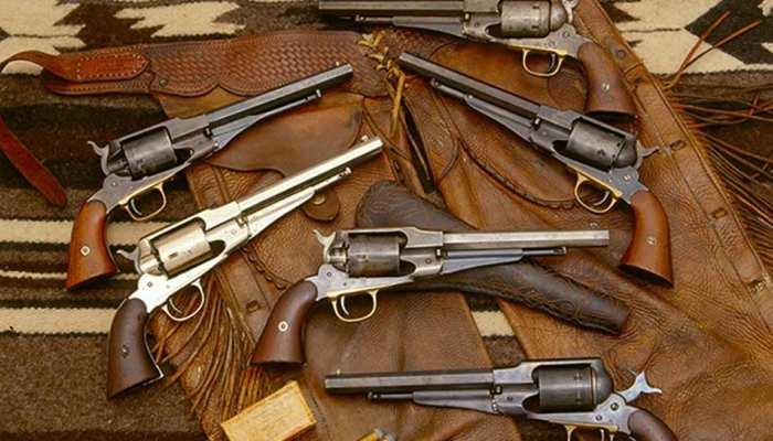 OMG: एक ही घर से मिली 1000 बंदूकें, लोगों के उड़े होश