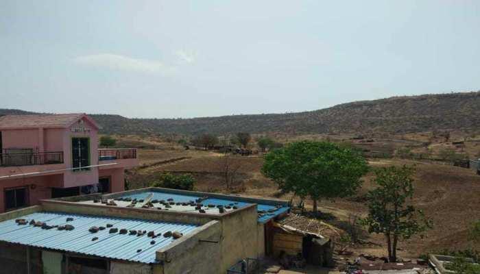 महाराष्ट्र: सूखे की मार झेल रहा है बीड़ का ये गांव, 85 फीसदी लोग कर चुके हैं पलायन