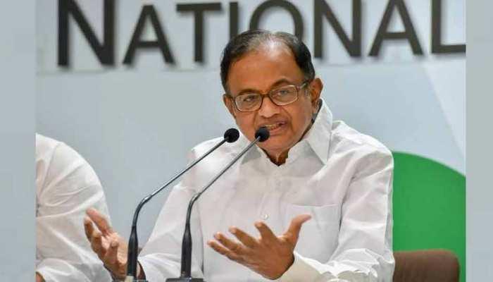 कांग्रेस नेता पी चिदंबरम ने कहा, 'प्रधानमंत्री को इतने झूठ आखिर बताता कौन है?'